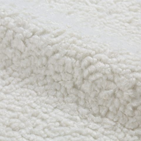 Sheepskin White [100% polyester]